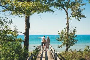 Photo of Pinery Beach courtesy of Southwestern Tourism Corporation